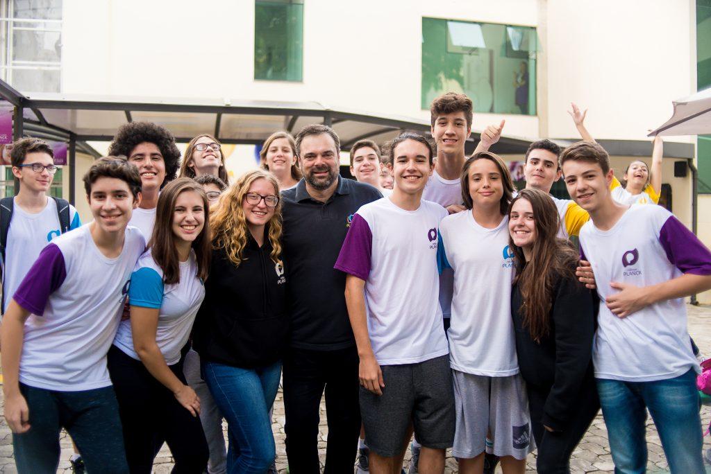 Mas como pais, coordenadores e direção de um colégio podem ficar atentos para evitar consequências do bullying? Entenda como o Colégio Planck vê a questão.