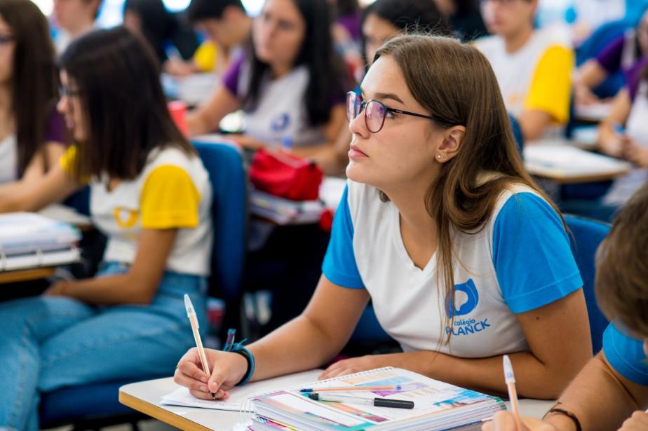 A escolha da profissão costuma gerar muitas dúvidas para os estudantes na fase pré-vestibular, mas os pais podem ajudar no processo com muito diálogo e compreensão.
